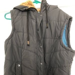 American Eagle Outfitters Puffy Vest